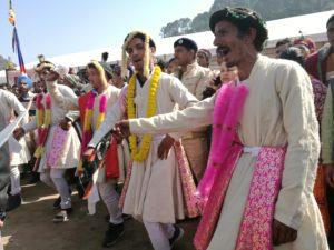 India pärimusega sõprust sobitamas